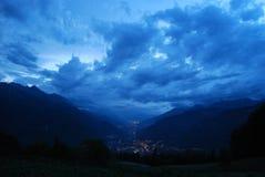 Vallée bleue large Photos libres de droits