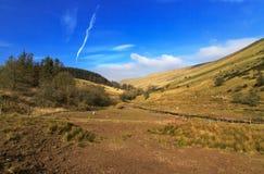 Vallée d'équipage de Nant de parc national de balises de Brecon près de réservoir de Cantref Image stock