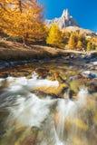 Vallée de Clarée pendant l'automne dans les Frances images stock