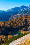 Vallée de lacs Triglav en automne, Slovénie images stock