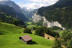 Vallée de Lauterbrunnen en Suisse Photographie stock libre de droits