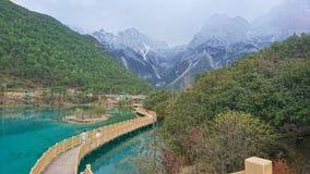 Vallée de lune bleue en Jade Dragon Snow Mountain, Lijiang, Yunnan, Chine Images libres de droits