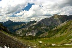 Vallée de montagne Photos stock