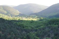 Vallée de montagne en Crimée Photographie stock libre de droits