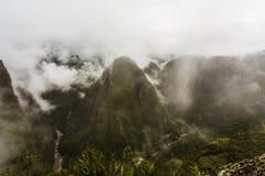 Vallée de montagne et la rivière d'Urubamba Photographie stock