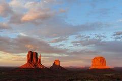 Vallée de monument au coucher du soleil Photos libres de droits