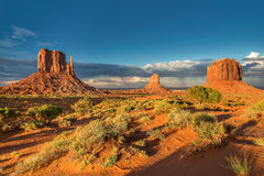 Vallée de monument au coucher du soleil, Utah, Etats-Unis Image stock