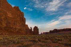 Vallée de monument au lever de soleil images libres de droits