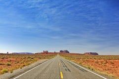 Vallée de monument en Utah, 163 d'un état à un autre, Etats-Unis Images libres de droits