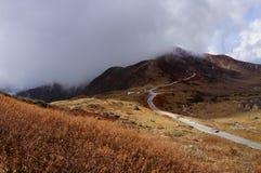Vallée de Nathang sous des nuages, Sikkim Photo libre de droits