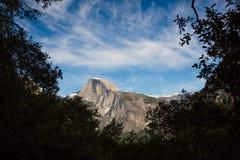 Vallée de Yosemite avec le demi dôme, Etats-Unis Images libres de droits