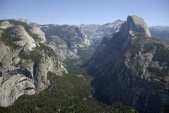 Vallée de Yosemite et demi de dôme photographie stock libre de droits