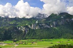 Vallée des cascades à écriture ligne par ligne, Lauterbrunnen, Suisse Images libres de droits