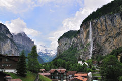 Vallée des cascades à écriture ligne par ligne, Lauterbrunnen, Suisse Image libre de droits