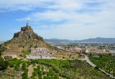 Vallée espagnole avec le château antique de Monteagudo Photo stock