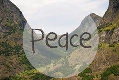 Vallée et montagne, Norvège, paix des textes Photo libre de droits
