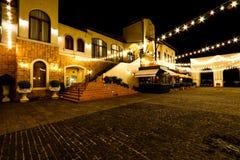 Vallée Khaoyai, Thaïlande de Toscane la nuit avec les lumières oranges photographie stock