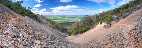 Vallée pierreuse de montagne Image stock