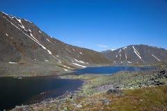 vallée polaire de montagnes de lacs Photo stock