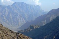 Vallée profonde sur la péninsule de Musandam Photo stock