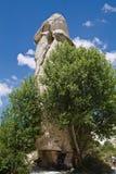 Vallée rocheuse d'amour de grès de beau désert avec le troglodyte énorme drôle en ciel bleu Photographie stock libre de droits
