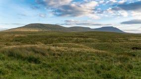 Vallées de Yorkshire près de Ribblehead, North Yorkshire, R-U Images stock