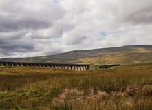 Vallées et aqueduc de Yorkshire Photographie stock