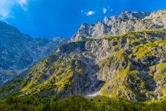 Vall?e en montagnes d'Alpes pr?s de Koenigssee, Konigsee, parc national de Berchtesgaden, Bavi?re, Allemagne images libres de droits