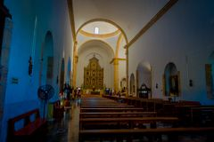 VALLADOLID, MÉXICO - 12 DE NOVEMBRO DE 2017: Vista interior da igreja de Saint Servatius de San Servacio em Valladolid, Iucatão Fotografia de Stock