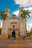 Valladolid, Messico Cathedral de San Servasio durante il giorno a Valladolid la città in Yucatan, Messico fotografia stock