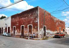 VALLADOLID, MEXICO - MARZ 6, 2014: locals in front of building. Old part od the city. Stock Image