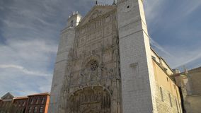 VALLADOLID, SPAIN - MARCH 29, 2017: Gothic facade of the church of San Pablo in Valladolid, Spain stock video