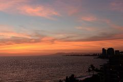 Заход солнца на vallarta puerto, Мексике Стоковые Фотографии RF
