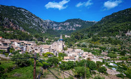 Valldemossa. Photograph of Valldemossa village, Mallorca, Spain stock photos