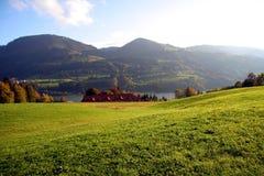 Valle alpestre Imagenes de archivo