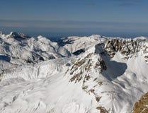Valle in alpi Immagini Stock