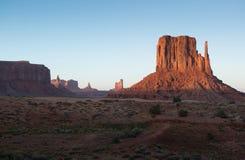 Valle Arizona del monumento de las motas de la puesta del sol Fotografía de archivo libre de regalías