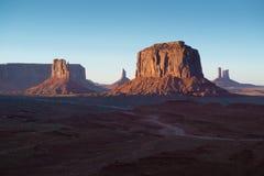 Valle Arizona del monumento de las motas de la puesta del sol Fotos de archivo libres de regalías