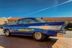 Valle AZ - MARS 26, 2015 - gul utmärkt gammal bil i Valle, Arizona Royaltyfri Fotografi