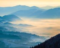 Valle blu della montagna immagine stock libera da diritti