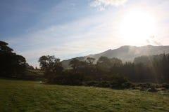Valle brumoso de los idris del cadair en parque nacional del snowdonia imagen de archivo
