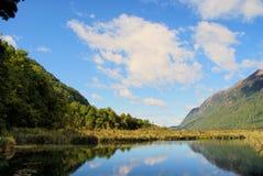 Valle con el lago Imágenes de archivo libres de regalías