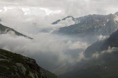 Valle con nebbia Fotografia Stock