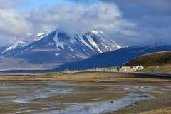 Vallée d'Adventdalen en Spitzberg, le Svalbard Photographie stock