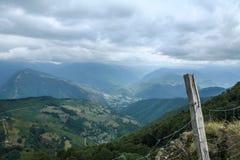 Valle de Adour del paso de Aspin en el Pyrennees francés Fotos de archivo
