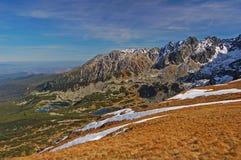Valle de Gasienicowa en tiempo del otoño Imagen de archivo