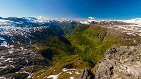 Valle de Geiranger del Mountain View de Dalsnibba, más og Romsdal, Noruega imágenes de archivo libres de regalías