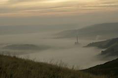 Valle de la esperanza a través de la niebla Fotografía de archivo