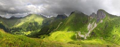 Valle de la montaña en el parque nacional Fotos de archivo
