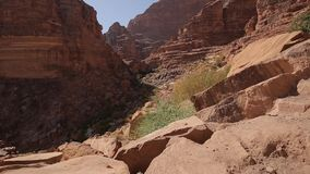 Valle de la roca de Wadi Rum almacen de metraje de vídeo